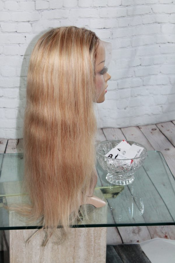 Blond-Lace-Wig